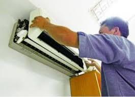 vệ sinh máy lạnh daikin chảy nước
